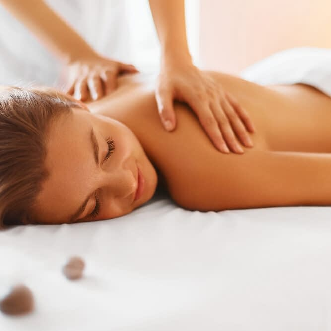 relaxation-therapeutic-massage (327800027)